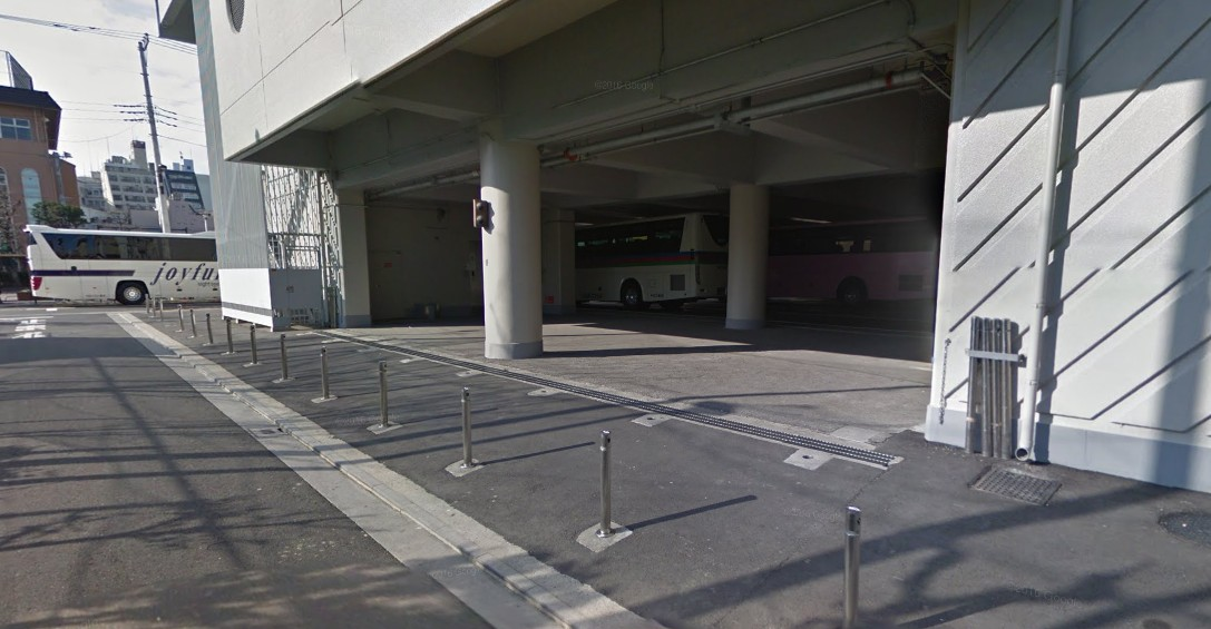 台東区民会館駐車場