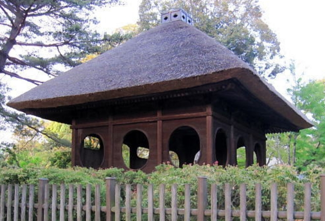 宝形造りの屋根