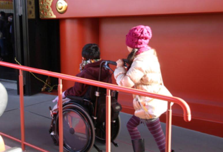 浅草・浅草寺には、「車椅子」や「ベビーカー」で入場できる?「レンタル・バリアフリー情報」01